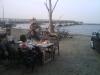 かねよ食堂の砂浜テラス